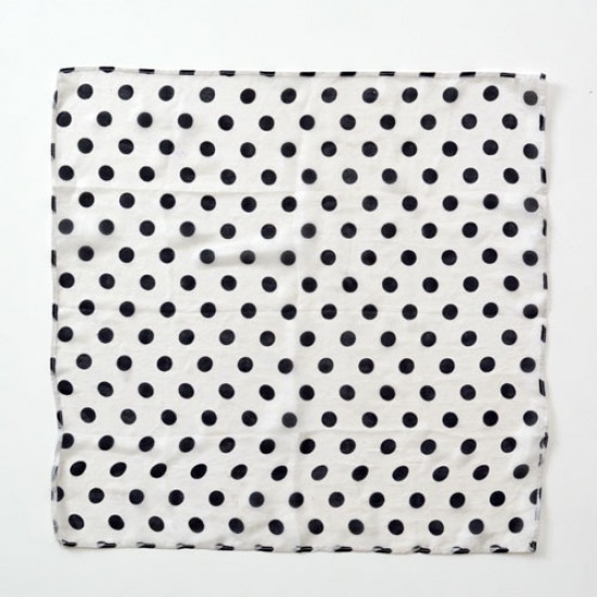 Spotted Silk 18 inch Black On White